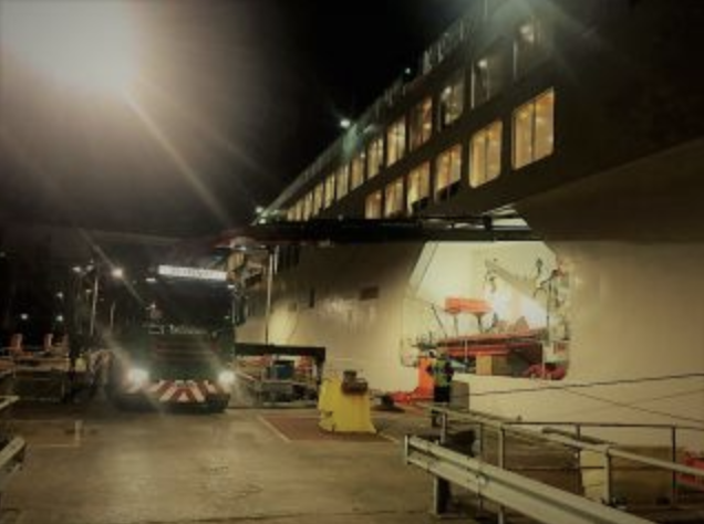RS French lorry at night